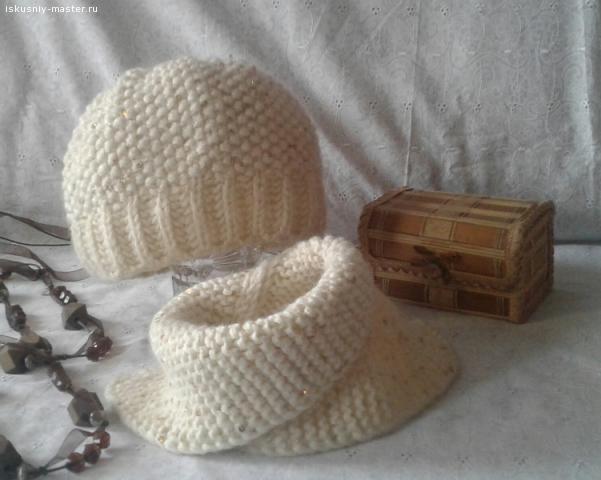 Комплект Шапочка и шарф-манишка